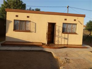 1 BEDROOM HOUSE FOR SALE R90 000.00 SLOVO WINTERVELD EXT 2 RETHABILE ROAD CALL 0760813571
