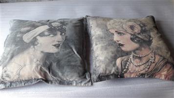 2x Beautiful Scatter Cushion
