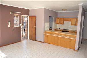 To Let: Unfurnished 3 Bedroom Townhouse in Garsfontein.