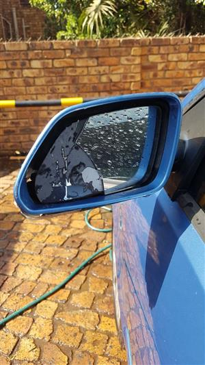 LOOKING FOR A VOLKSWAGEN POLO COMPLETE LEFT HAND SIDE MIRROR