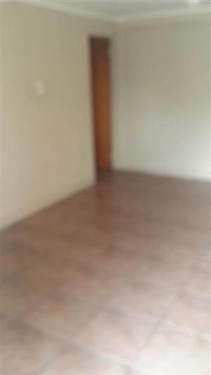 1 bedroom with Open Plan to let in Secunda - Prepaid Electricity
