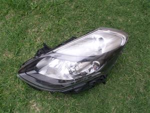 2012 RENAULT CLIO III HEAD LIGHT FOR SALE