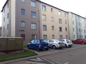 Jabulani OLD Flats Khoma Street 3bedroomed flats to rent for R3500