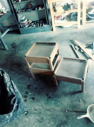 3 Stuk hout tafeltjie Te koop