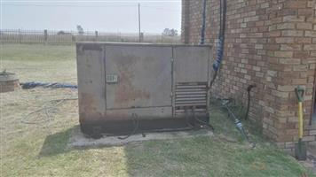 30 kva /3fase generator met automatic change over