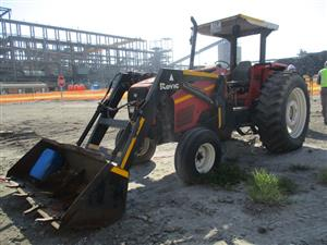 Massey Ferguson Tractor Loader - ON AUCTION