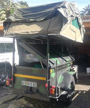 CAMPING  TRAILER OUTDOORS