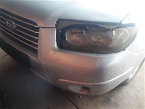WANTED SUBARU FORESTER SX 2.5 HEADLIGHTS AND BUMPER