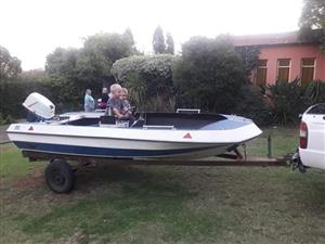 40 hp 4.7m fishing boat with trailer