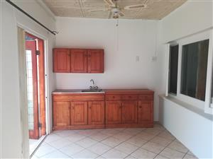 2  Flat/ Cottage to Rent