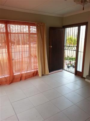 FLAT  FOR RENT, Spacious  flat, close to HYPERAMA shopping centre