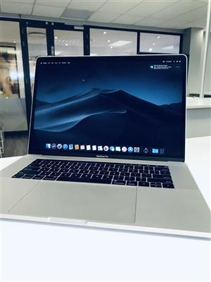 2018 Apple MacBook Pro 15-inch 2.6GHz 6-Core i7 (Touch Bar, 512GB, Silver) - Pre Owned