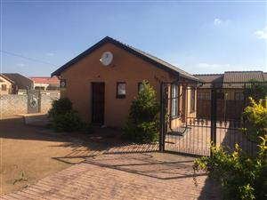 house in Mabopane X ext
