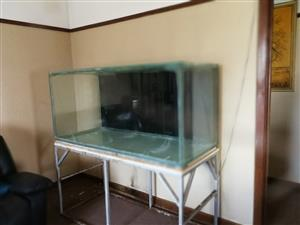 Marine fish tank with samp and skimmer. Price negotiable