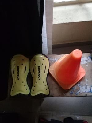 Soccer/hokey shin pads new +4 Dribble cones..