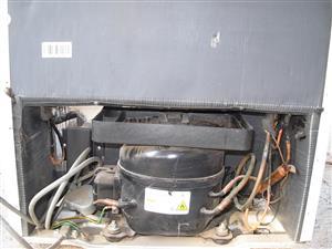220lt Kelvinator Refrigerator