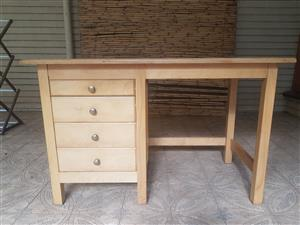 Solid oak 4 drawer desk