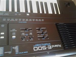 Clean Roland E500 Keyboard