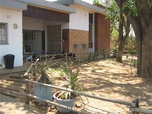 4 BEDROOM HOUSE PLUS 1 BEDROOM FLAT FOR SALE:
