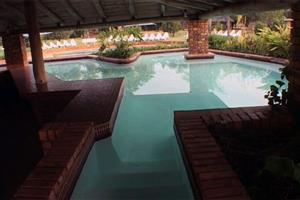 Peak Manzi Monate/Monateng safari Lodge 6 sleeper between 29 june and 16 July  R7500 per week