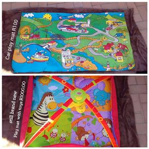 Car play mat and playmat with toys
