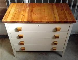 Lovely retro small chest of drawers with Oregon pine top