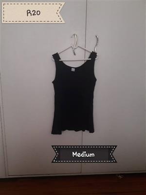 Medium black summer top