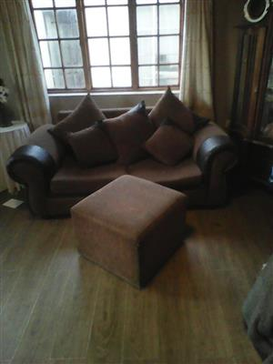 2X double seater with 5X scatter cushions plus ottiman.Fare condition.R2550 neg.