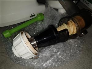 Oscar juicer worm drive