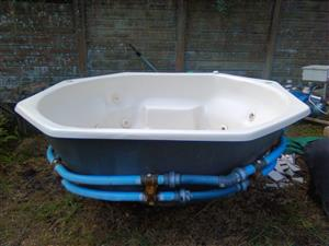 Whirlpool jacuzzi 6 seater