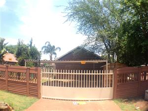 6B MONTAGU AVE - 1 BEDROOM COTTAGE IN WIERDA PARK (RAPID RENTALS)