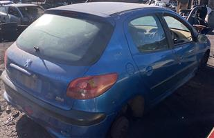 Peugeot 206 1.4 2006 stripping for spares