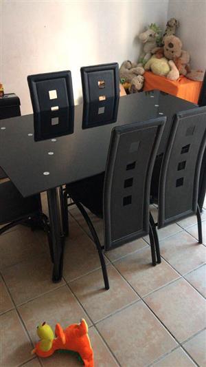Modern black 6 seater dining set