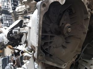 Chrysler Neon 2.0 Manual gearbox for sale.