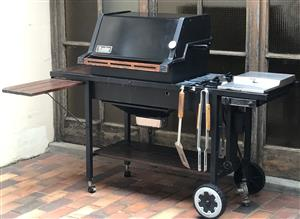 Webber gas braai with built in cooker & 220 volt Rotisserie + outdoor cover
