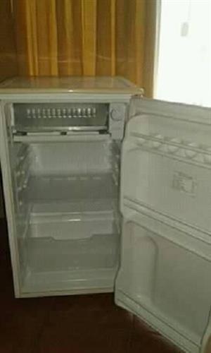 Small fridge L G.