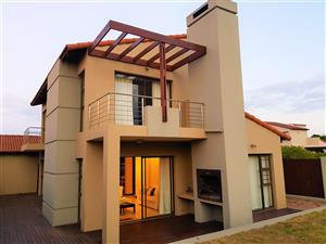 Holiday home for rent in St Francis Bay. Note price per day, Check description of add for details.