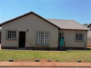 Magaliesberg Country Estate Neat 3 bed House avail 1 st October 2019