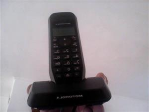 Motorola cordless phone/charger & phone connector..