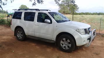2005 Nissan Pathfinder 2.5dCi LE automatic