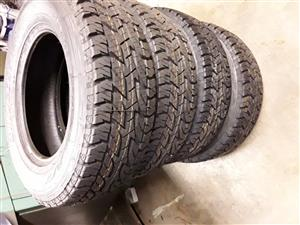 Tyres 4x Bridgestone duelers A/T