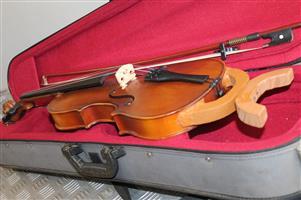 Sandner 300 4/4 violin w/bow in case S031206A #Rosettenvillepawnshop