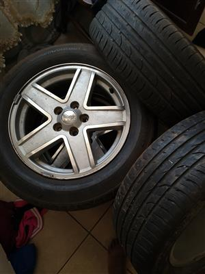 Jeep Rims with tryes 215/60/R17