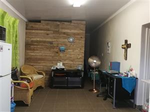 Bachelor flat to rent, Wonderboom Suid