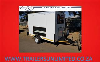 TRAILERS UNLIMITED. GLASS DISPLAY CATERING UNITS.