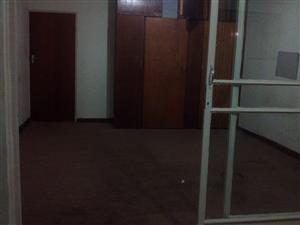 Room to rent in Gezina R2500 Electricity included 0765528610 or 0835867710