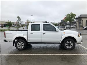 2006 Nissan Hardbody 3.3 V6 double cab 4x4 SEL automatic