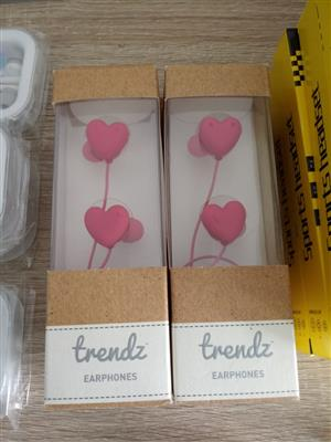 TRENDZ PINK HEART EARPHONES
