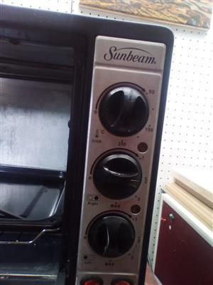 Sunbeam Mini Oven in Good Condition