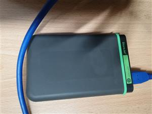 1tb 3.0 2.5 inch external hard drive 1000gb as new good as New